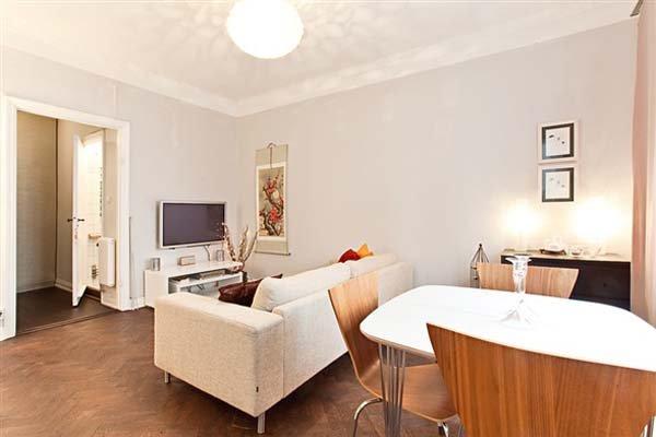 Cosy-Apartment-Freshome-2.jpg
