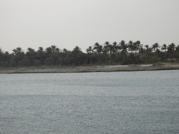 Euphrates_river_in_Hillah.JPG