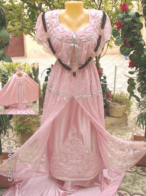 اثواب العروسة  تجهيزات العرس الجزائري الكل مدعو فساتين