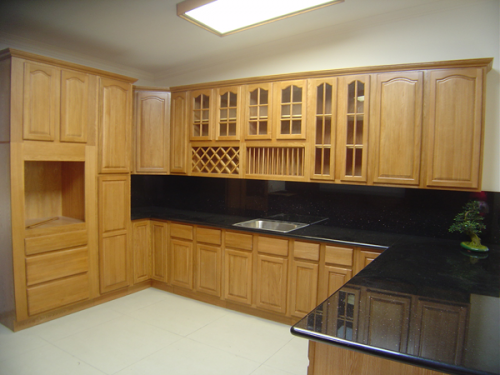 Oak_kitchen_cabinets_3.png